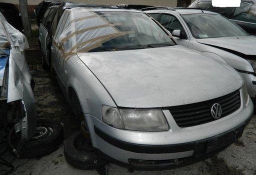 Dezmembrez Volkswagen Passat - 2000