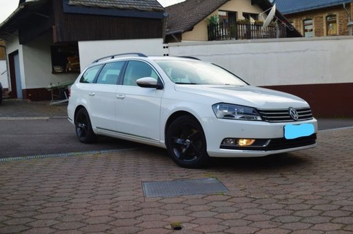 Dezmembrez Volkswagen Passat B7 an 2011 cutie auto