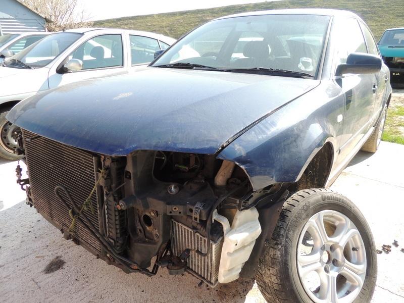 Dezmembrez Volkswagen Passat, model masina 2002 Oradea