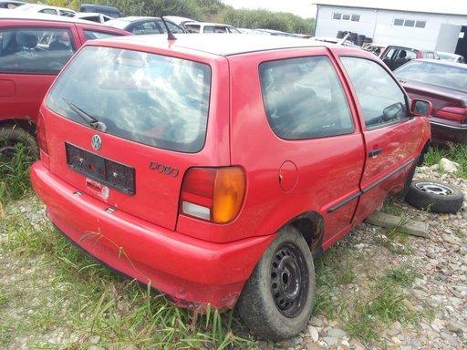 Dezmembrez Volkswagen Polo 1.0i 1998