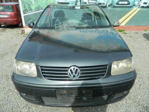 Dezmembrez Volkswagen Polo - 2000