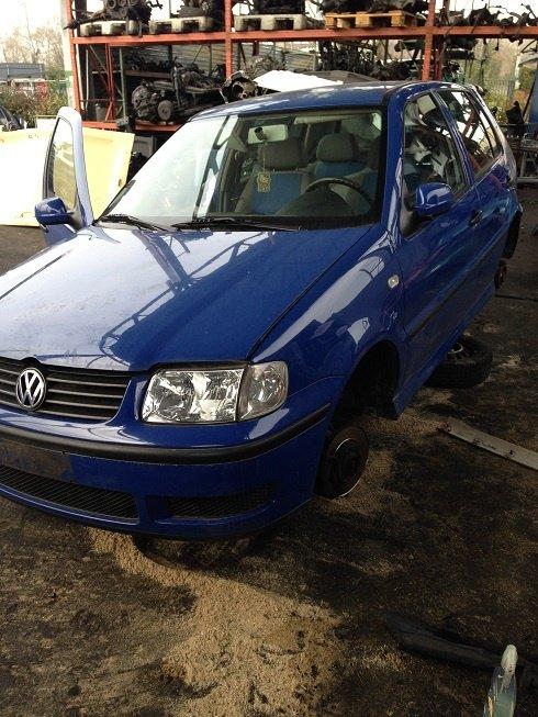 Dezmembrez Volkswagen Polo 6N2 1.4 16V AUB 2001