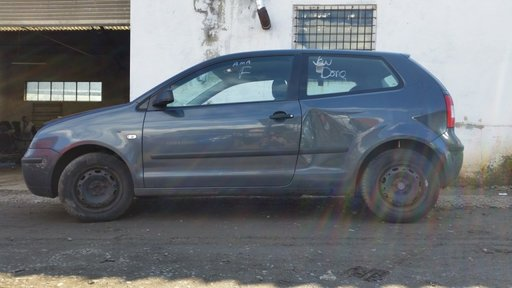 Dezmembrez Volkswagen Polo 9n 1.2 40kw 54cp 2005