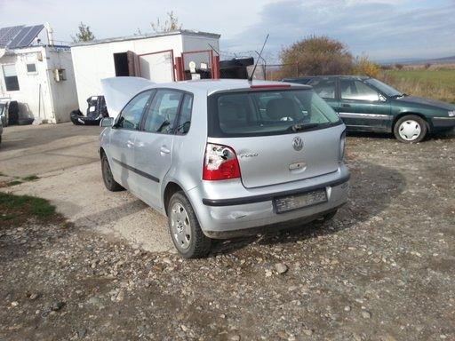 Dezmembrez Volkswagen Polo model 9N