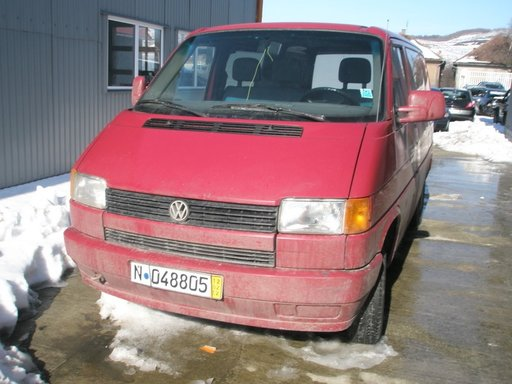 Dezmembrez VOLKSWAGEN T4 MIXT model masina 1993 Oradea