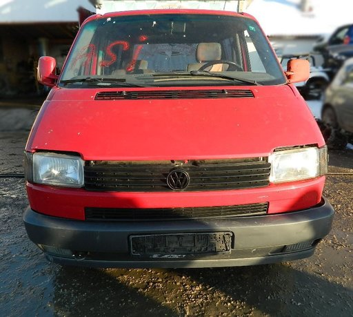 Dezmembrez Volkswagen T4 , motor 1.9 TD