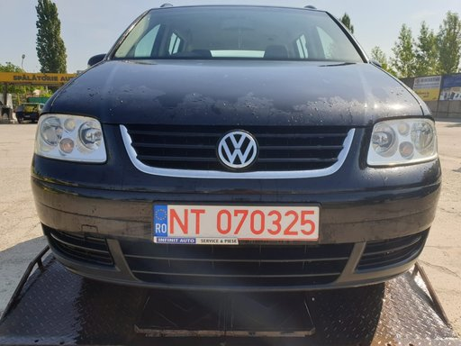 Dezmembrez Volkswagen Touran 1.9 TDI BKC 2004 2005