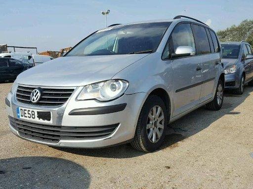 Dezmembrez Volkswagen Touran 2 Facelift 1.9 TDI 2008 BXE