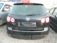 Dezmembrez Volkswagen Touran din 2005.