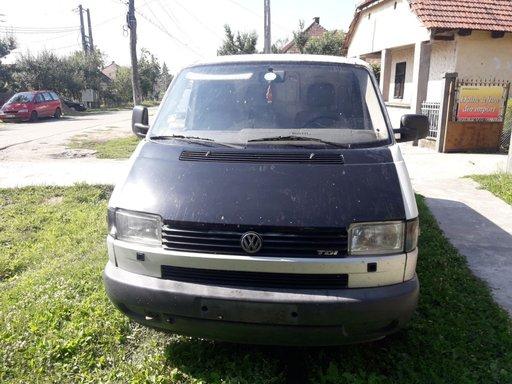 Dezmembrez Volkswagen Transporter T4 2.5 TDI 112CP