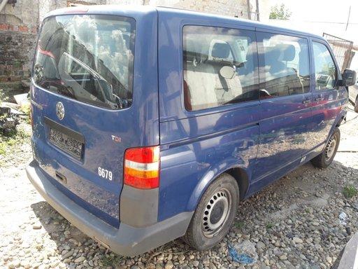 Dezmembrez Volkswagen transporter t5 2.5 tdi an fab. 2007