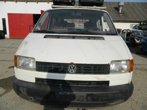 Dezmembrez Volskwagen Transporter 4 , motor 1.9 Diesel