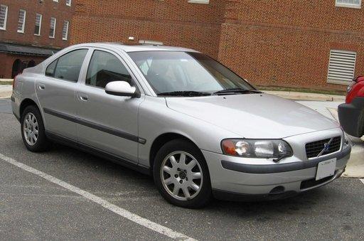 Dezmembrez Volvo S60 TS 2.0 An 2001 Benzina