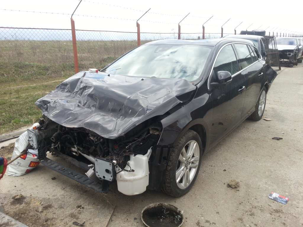 Dezmembrez Volvo S60/V60 din 2011