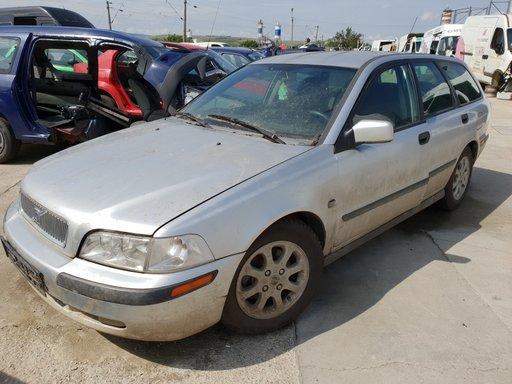 Dezmembrez Volvo V40 1.9dci 2001