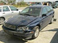 Dezmembrez Volvo V40 din 1999, 1.8b