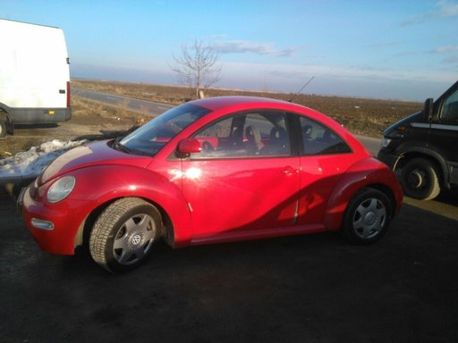 Dezmembrez VW Beetle 2.0 I 2001