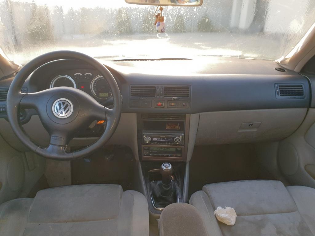 Dezmembrez VW Bora 2003 Berlina 1.9 Tdi