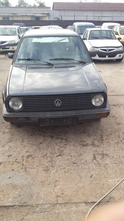 Dezmembrez VW Golf 2 din 1990