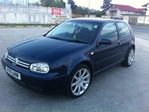 DEZMEMBREZ VW GOLF 4 1.8 GTI IN 23 AUGUST, MANGALIA