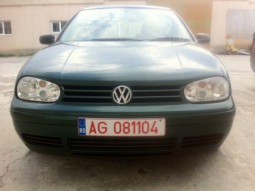 DEZMEMBREZ VW GOLF 4 1.9 TDI, ALH 90 CP IN 23 AUGUST, MANGALIA