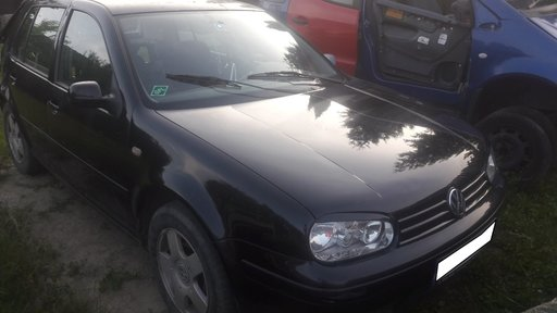 Dezmembrez VW GOLF 4, motor AKL 1.6 benzina, fabr 2000