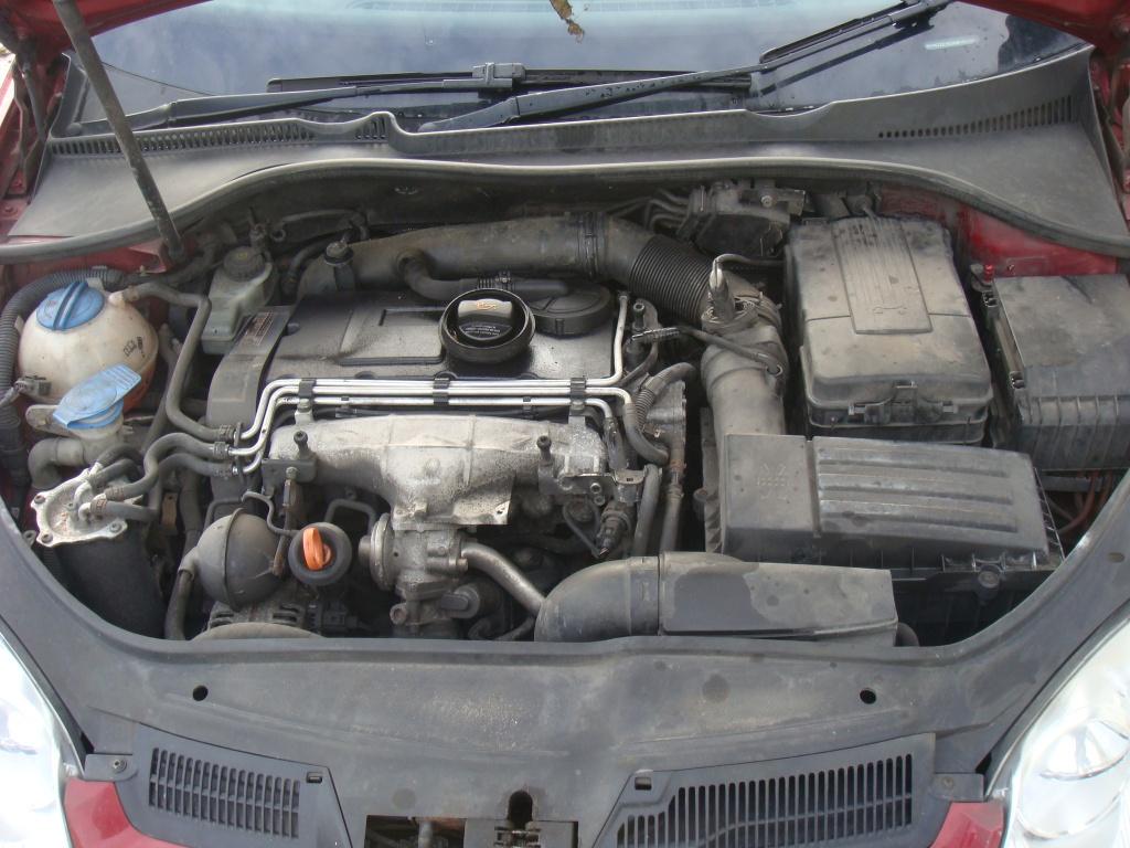 Dezmembrez VW Golf 5 2.0 tdi BKD 2004