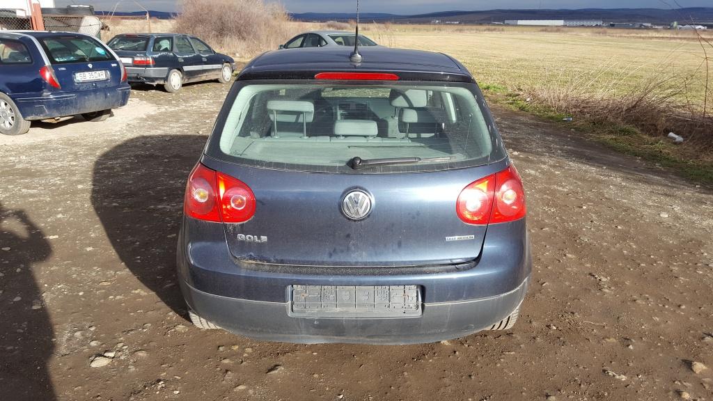 Dezmembrez VW Golf V - 1.9 TDI - BLS