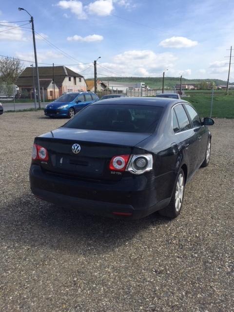 Dezmembrez Vw Jetta negru 2,0tdi 170cp, 2007 cutie aut.