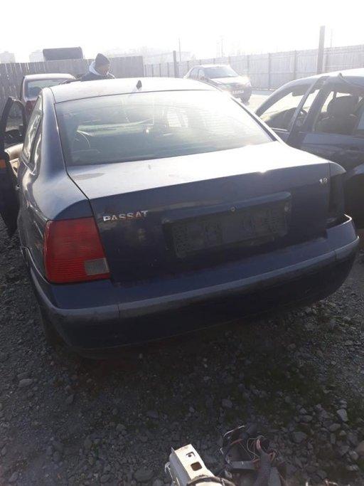 Dezmembrez VW Passat B5-1.8 B DIN 1998