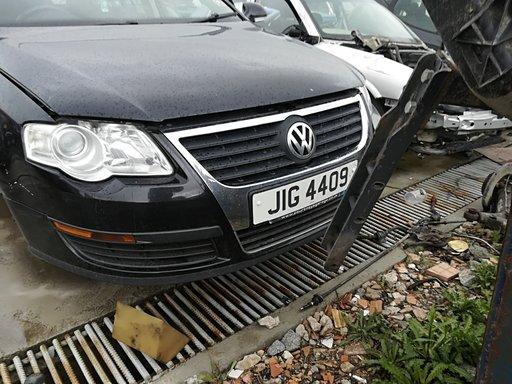 Dezmembrez VW Passat B6 an f 2007 1.9 TDI tip motor BXE