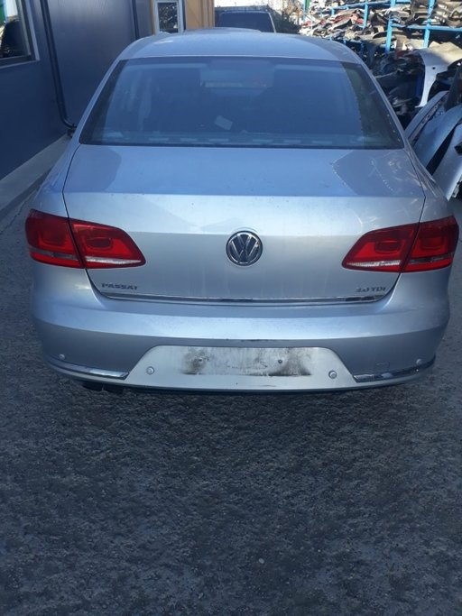 Dezmembrez VW Passat B7 2012 berlina 2.0 tdi