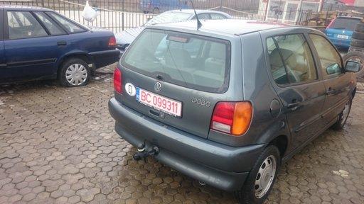 Dezmembrez VW Polo 1.4 benzina .