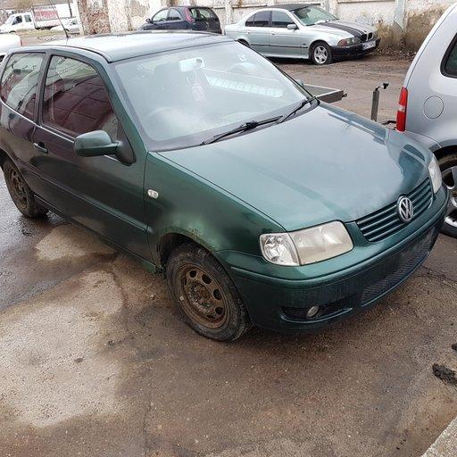 Dezmembrez VW Polo 6N 1999 2 portiere 1.9 SDi