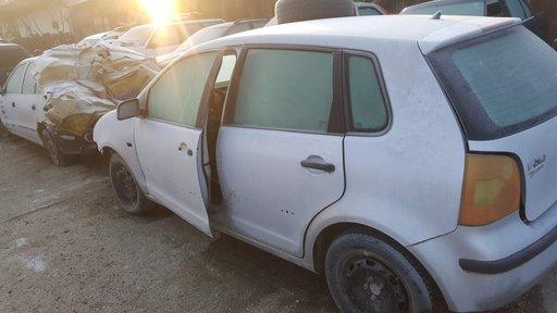 Dezmembrez VW Polo 9N 2004 4 usi 1.2 12V