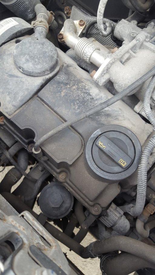 Dezmembrez VW T5 2008 duba 1.9