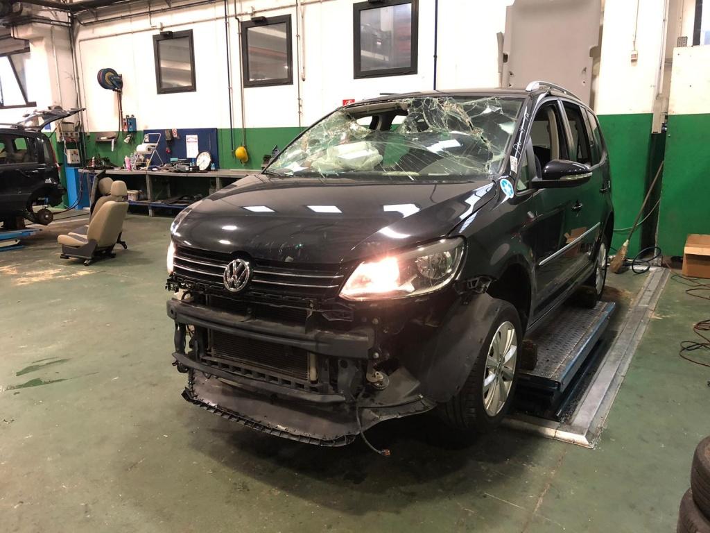 Dezmembrez VW Touran , 1.4 tfsi , an 2012
