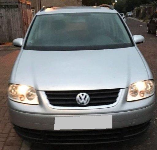 Dezmembrez VW Touran 1.9 TDI , AVQ , din 2004