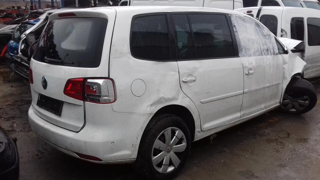 Dezmembrez VW Touran 2014