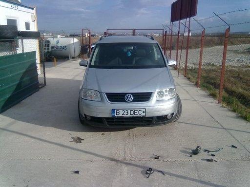 Dezmembrez VW Touran