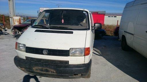 Dezmembrez VW Transporter T4 motorizare 2.4