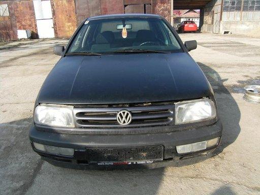Dezmembrez VW VENTO din 1993 (1.9 TD) (55 kw) (75 cp)