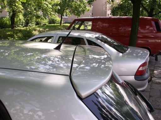 Eleron spoiler hayon luneta Toyota Corolla E12 2002 2005