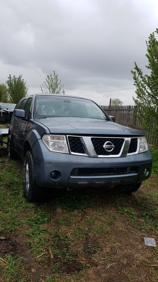 Far drepta nissan .pathfinder