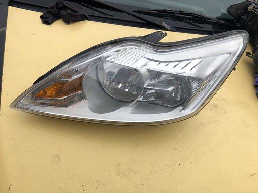 Far faruri stanga si dreapta ford focus 3 an 2007-2011 cod 8m51-13w030af