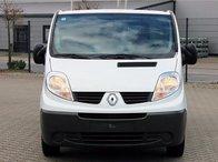 Far stanga/dreapta Renault Trafic/Opel Vivaro 2.0 dCi 2008