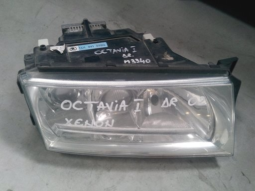 Far Xenon dreapta Skoda Octavia 1 2002