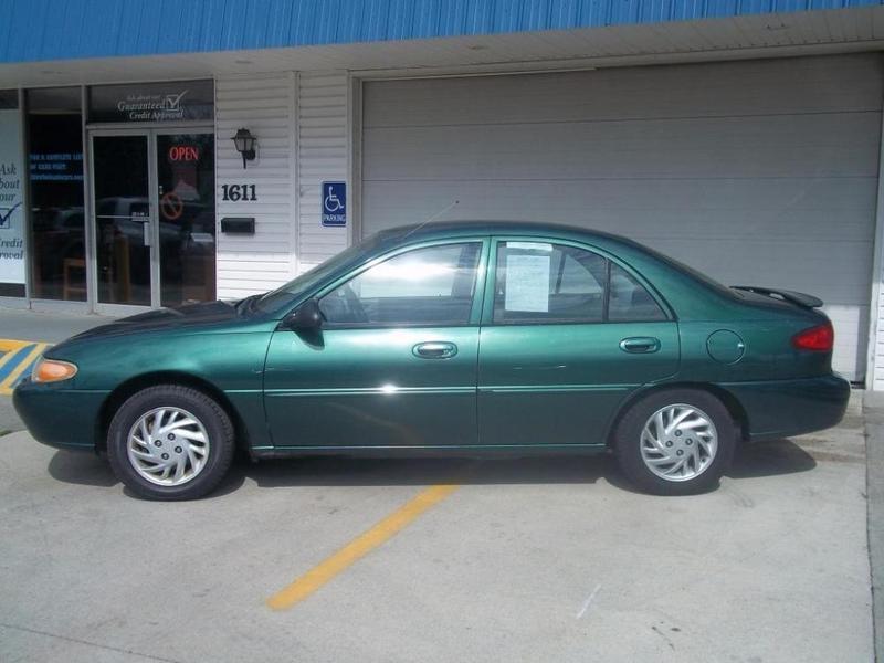 Ford Escort, an 1999, verde, 1.8 Diesel