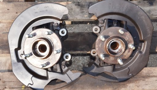 Fuzeta + butuc stanga sau dreapta fata Mazda 3 1.6 TDCI 80kw