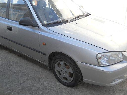 Fuzeta dreapta Hyundai Accent 1.4 benzina an 2003